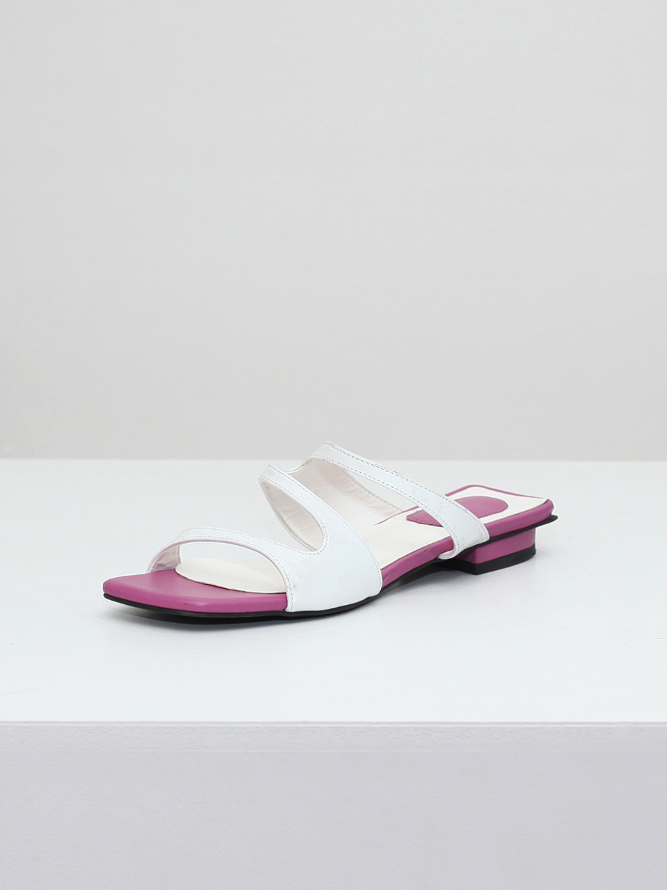 Mrc035 Resort Sandal Flat (White)
