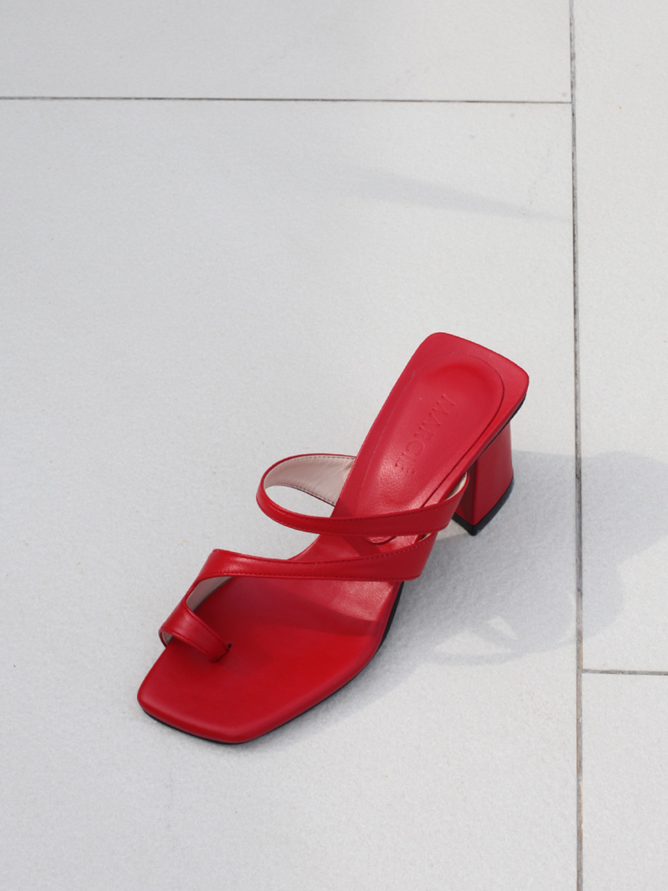Mrc036 Resort Sandal (Red)