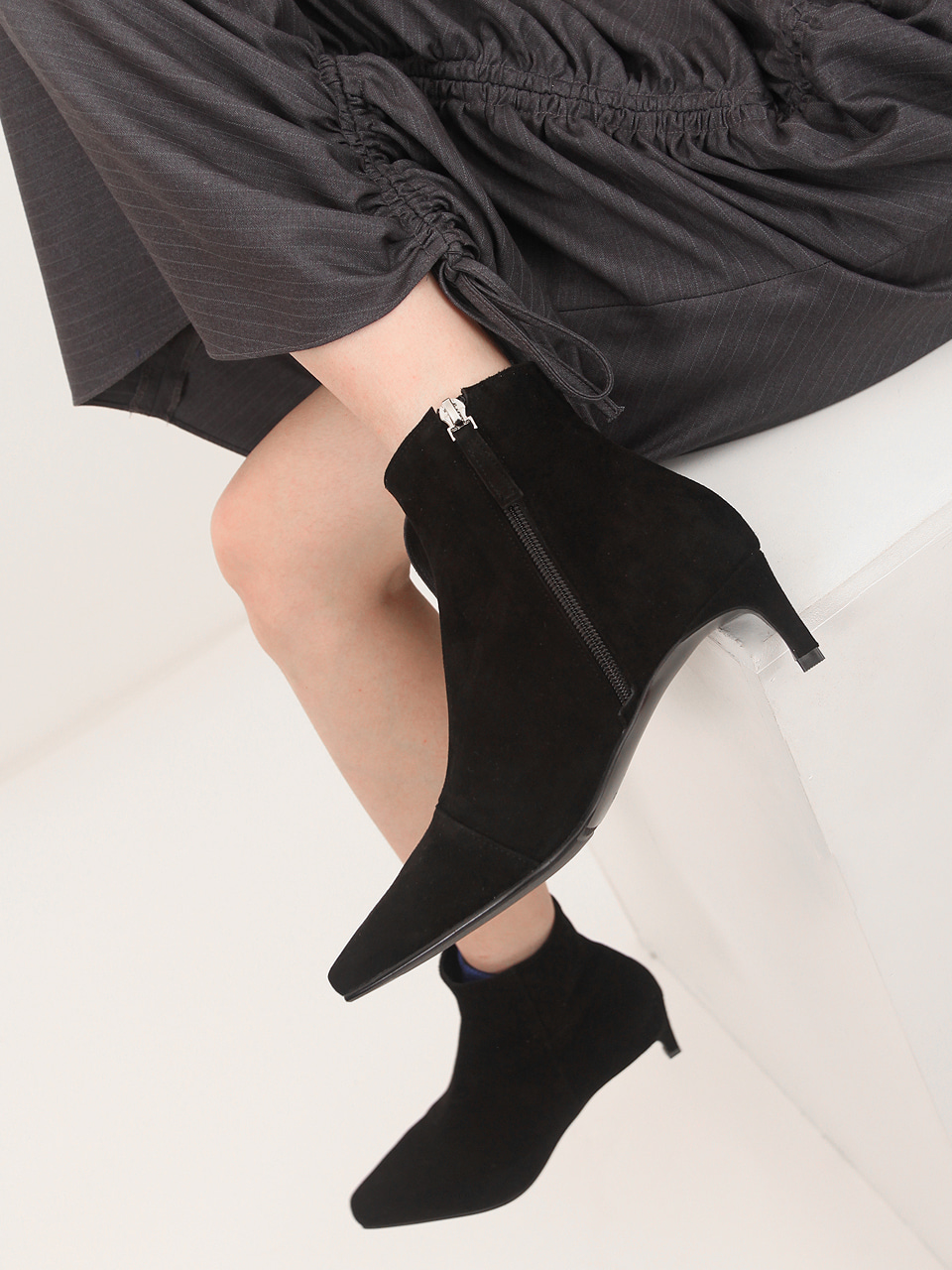 Mrc047 Soft Ankle Boots (Black Suede)