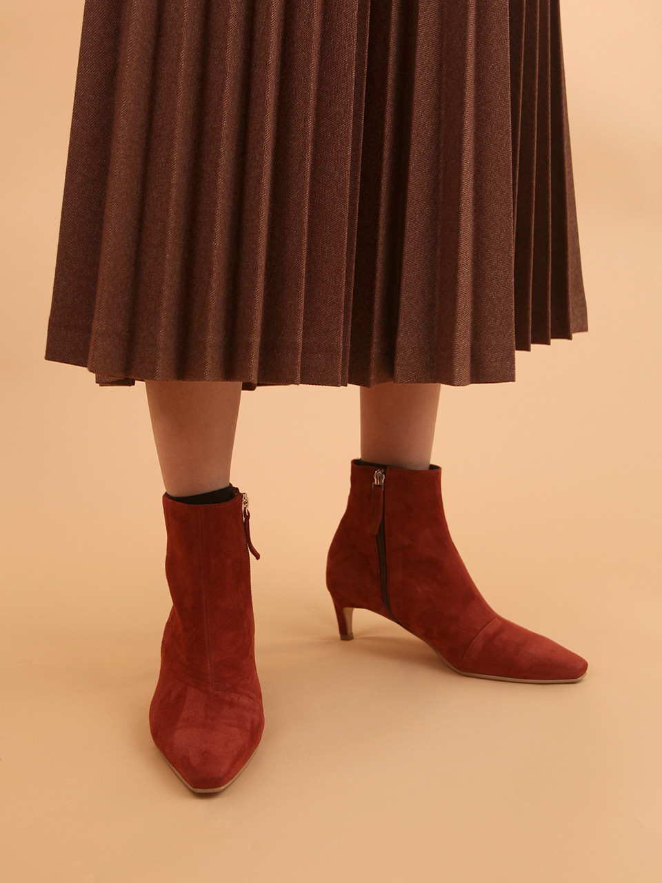 Mrc047 Soft Ankle Boots (Brick Red Suede)