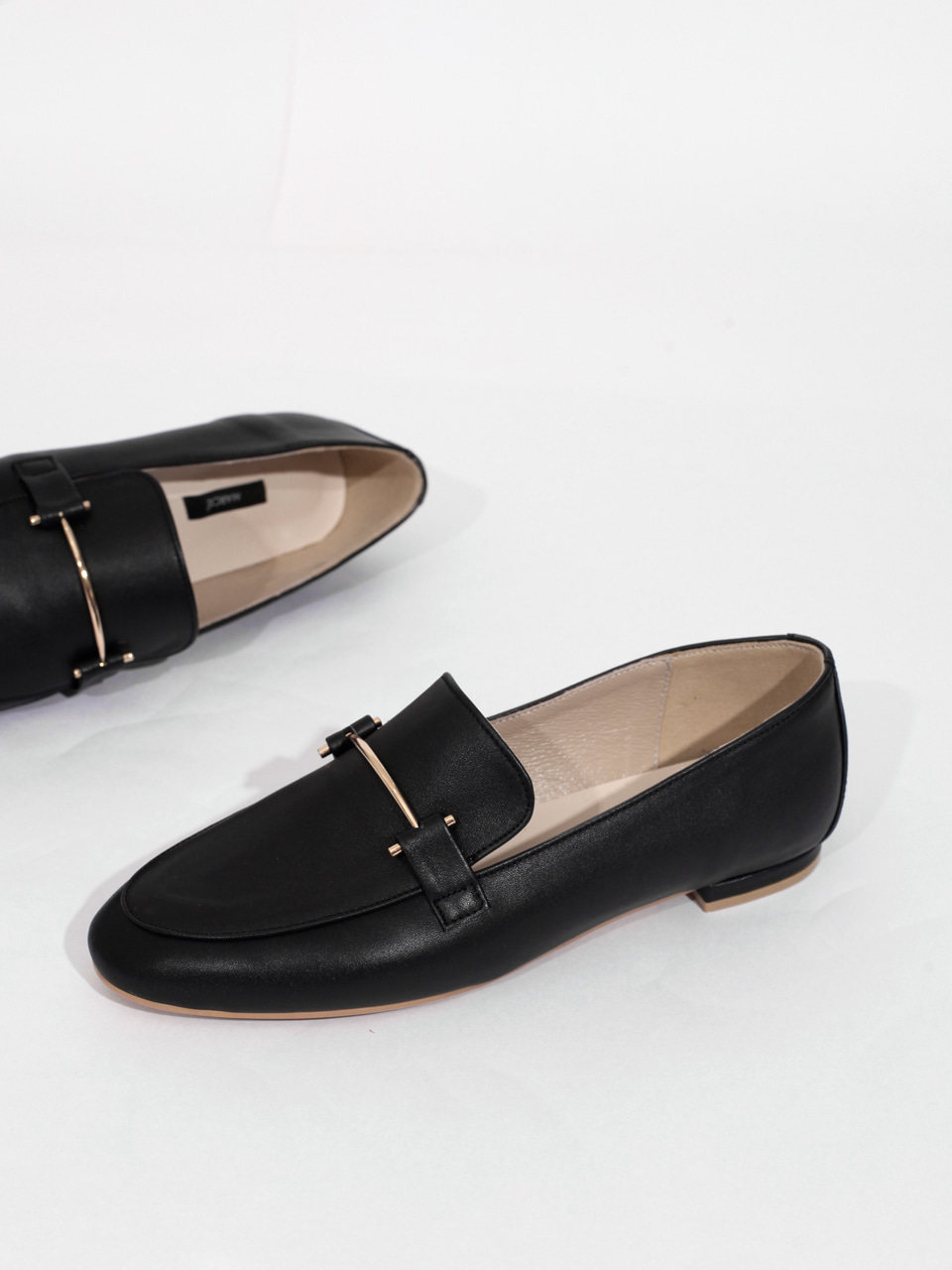 Mrc052 Gold Pin Loafer (Black)